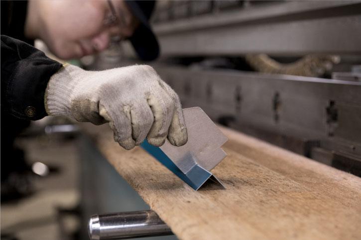 コストダウンだけでなく質や機能を重視した商品づくり|愛知県小牧市にある金属加工・板金加工・溶接の株式会社ダイバージェント|一宮・春日井・犬山・江南・岩倉・名古屋などからも